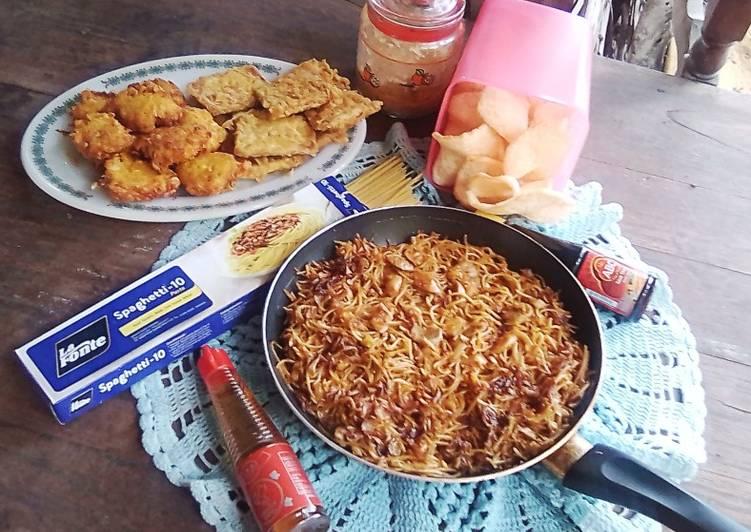 Resep Spaghetti Goreng Baceman Bawang Putih Saus Tiram