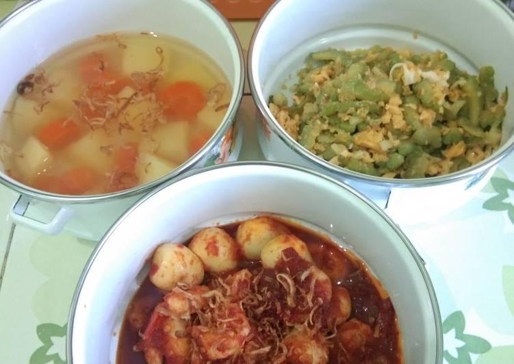 Resep Menu Rumahan: soup kentang wortel, tumis pari telur, sambalado