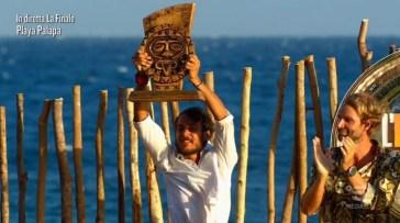 """Il trionfo di Awed nella finale de """"L'Isola dei Famosi"""""""