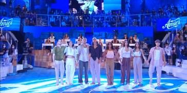 """""""Amici 21"""", i ballerini ricordano Michele Merlo danzando sulle note di """"Aquiloni"""""""
