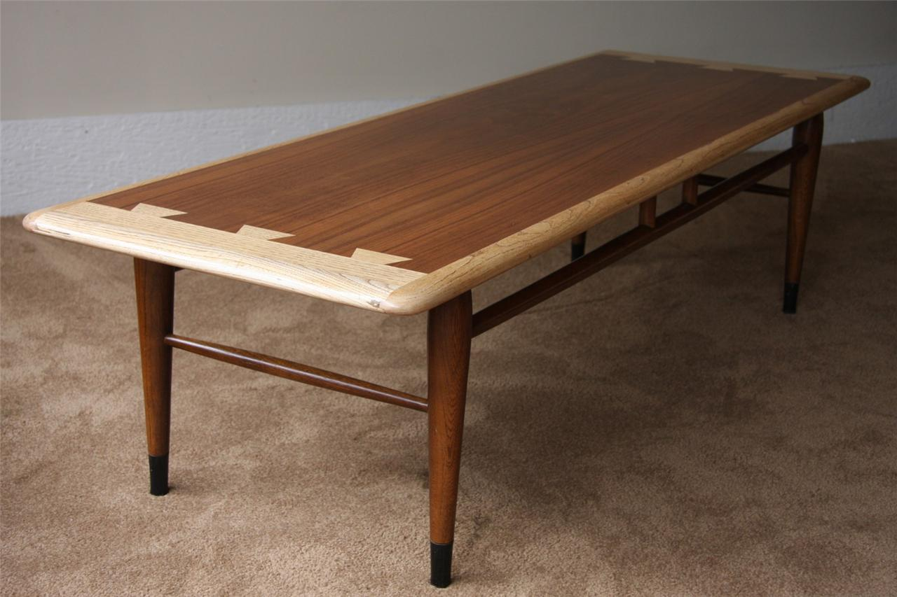 Lane Coffee Table 900 01