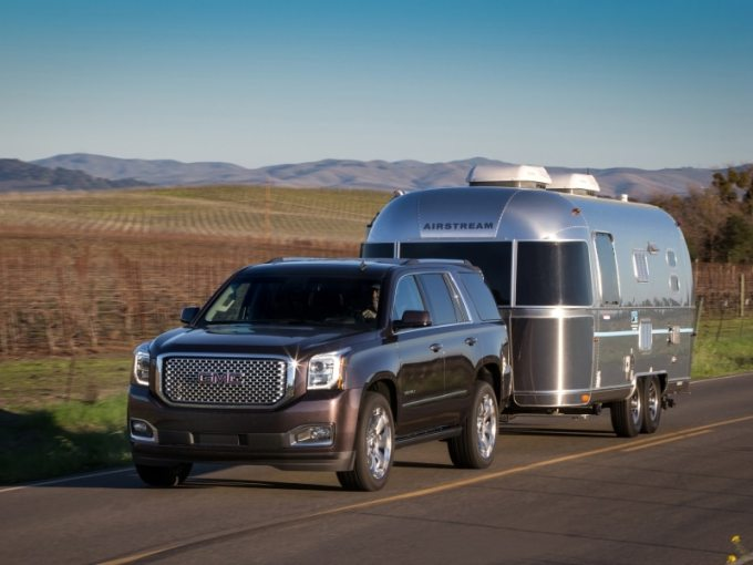 10 of the Best SUVs for Towing a Trailer   Autobytel com 10 of the Best SUVs for Towing a Trailer