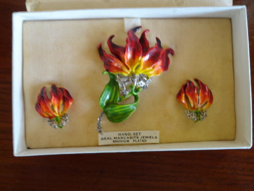 Vintage Amp Antique Jewellery Rhodesian Flame Lily Brooch