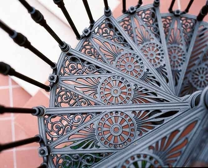 2050 Cast Iron Spiral Staircase By Modus | Used Spiral Staircase For Sale | Vertical | Exterior | Contemporary | Wrought Iron | Curved