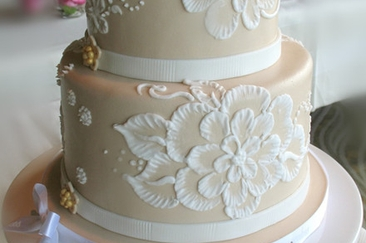 20 Best Wedding Cake Flavors and Ideas for Different Seasons     20 Affordable Amazing Wedding Cakes