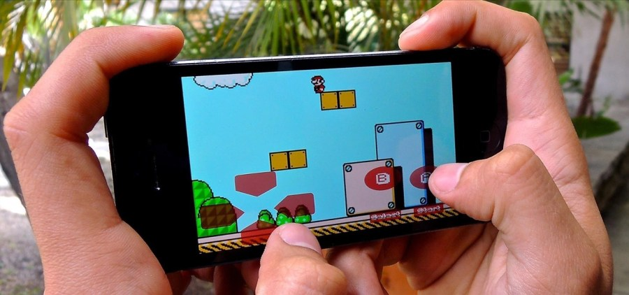How to Play NES Game ROMs on Your iPad or iPhone   No Jailbreak     How To  Play NES Game ROMs on Your iPad or iPhone   No Jailbreak Required