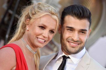 """Britney Spears annuncia il fidanzamento con Sam Asghari: """"Non ci posso credere"""""""