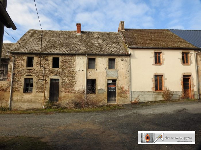 Collection of 3 adjoining houses, two barns and detached ...