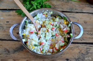 Crab σαλάτα κλασική συνταγή - φωτογραφία Βήμα 5