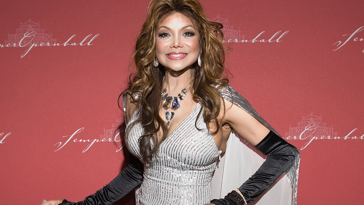 La Toya Jackson Tells All About Michael Jackson, Her Abuse ...