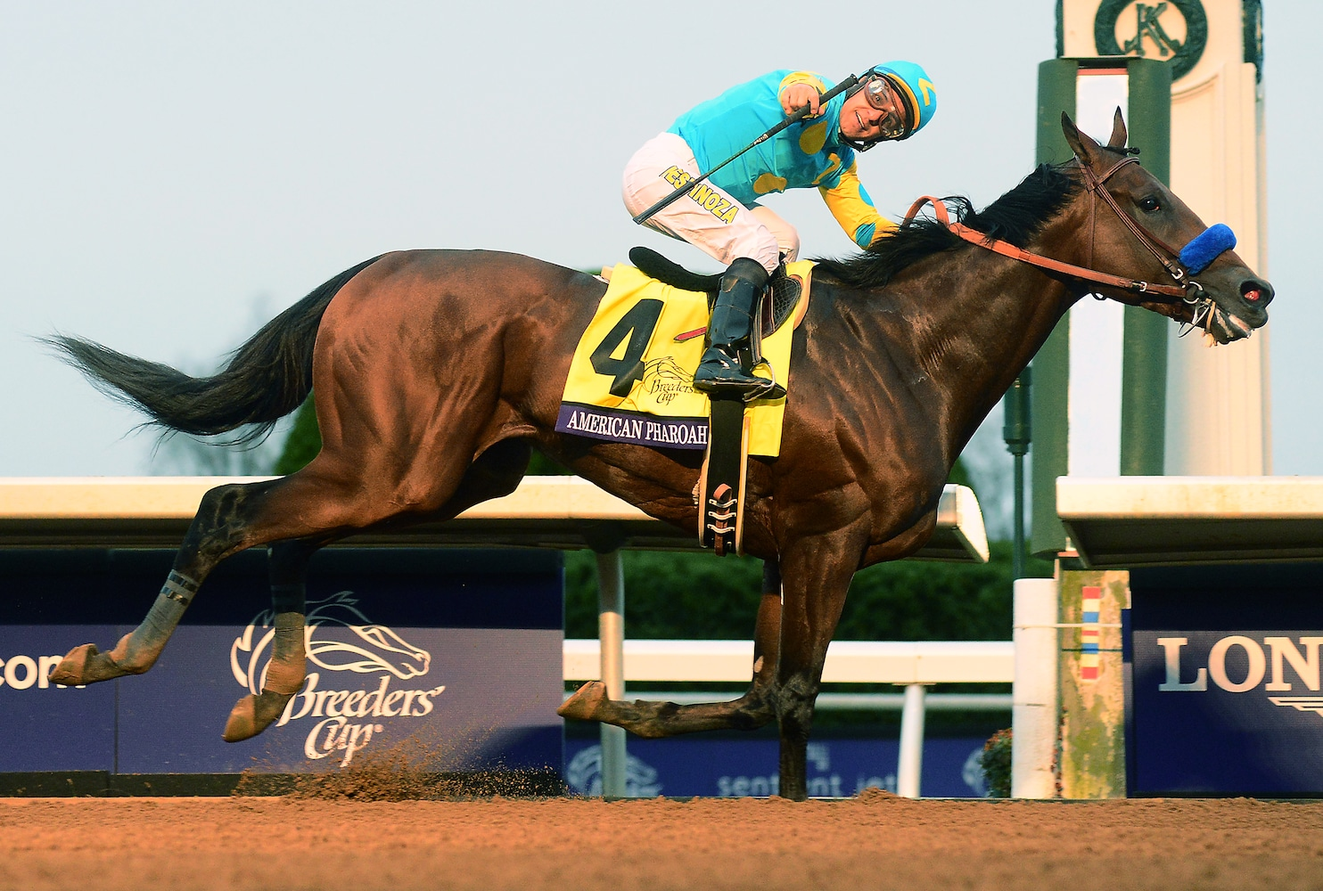 Watch American Pharoah Win Horse Racing S First Ever Grand