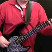 How To Play The Bassline To Jamming (1)