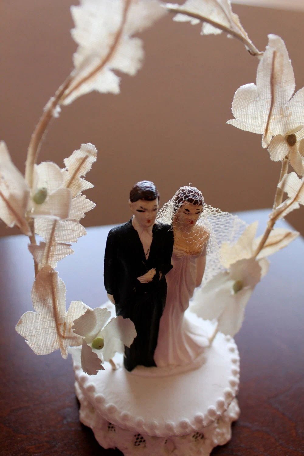 Old Cake Bride And Groom Topper