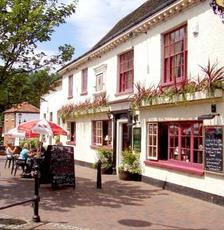 Red Lion, Godalming, Surrey, GU7 1HF - pub details ...