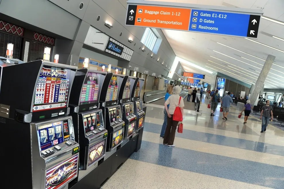 Best Airport For A Layover Winners 2014 10best Readers