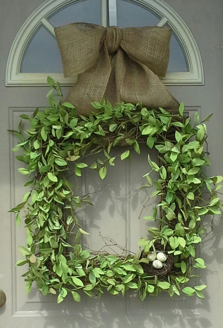 Items similar to Spring Beauty .... Square wreath, Boxwood ...