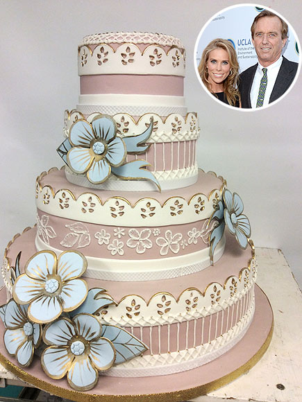 Modern wedding cakes for the holiday  2014 celebrity wedding cakes 2014 celebrity wedding cakes