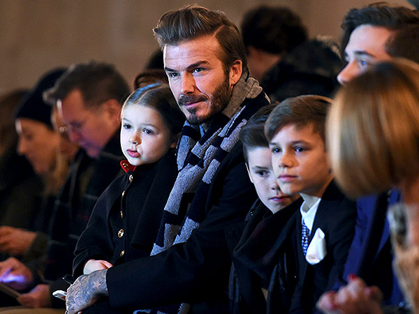 David Beckham and Kids Sit Front Row for Victoria's ...