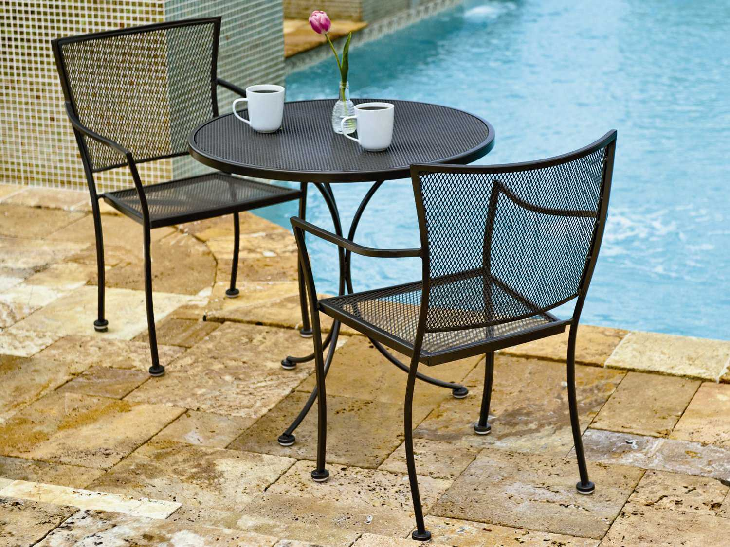 Woodard Mesh Wrought Iron 30 Round Bistro Table 190134