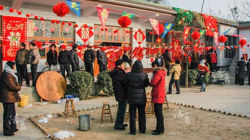 活着:中国婚礼二十年 从自行车到超跑