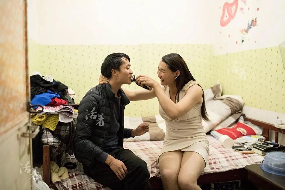 活着:一个跨性别者的家庭和爱情