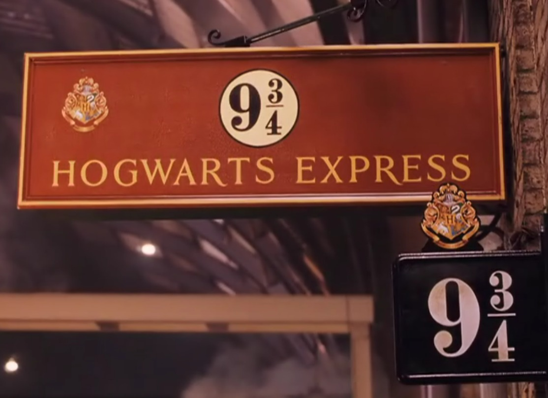 How To Hogwarts Express And 9 3 4 Signage In Literature
