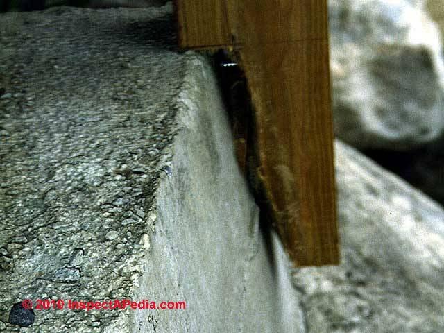 Exterior Stairways Guide To Outdoor Stair Railing Landing   Exterior Wood Stair Railing   Staircase   Aluminum   Indoor   Landing   Commercial Building