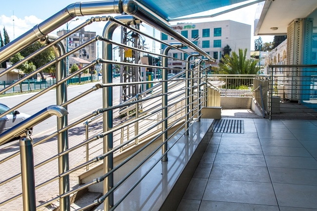 Tips Of Installing And Cleaning Stainless Steel Handrails | Stainless Steel Handrails Near Me | Metal | Cable Railing | Glass Railing Systems | Relaxdays Stainless | Staircase Railing