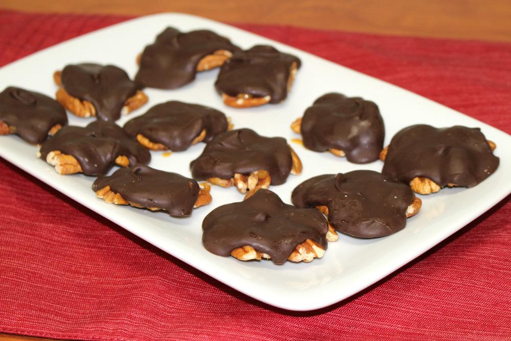 Homemade Chocolate Caramel Turtles Favesouthernrecipes Com