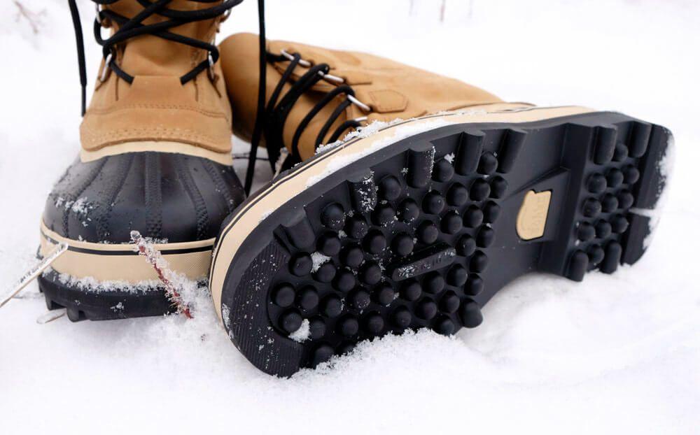 Cara memilih sepatu musim dingin non-slip.jpg