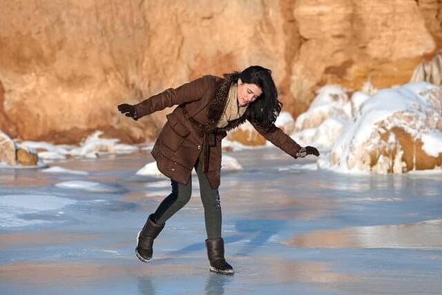 Apa yang harus dilakukan dengan sepatu musim dingin yang licin.jpg