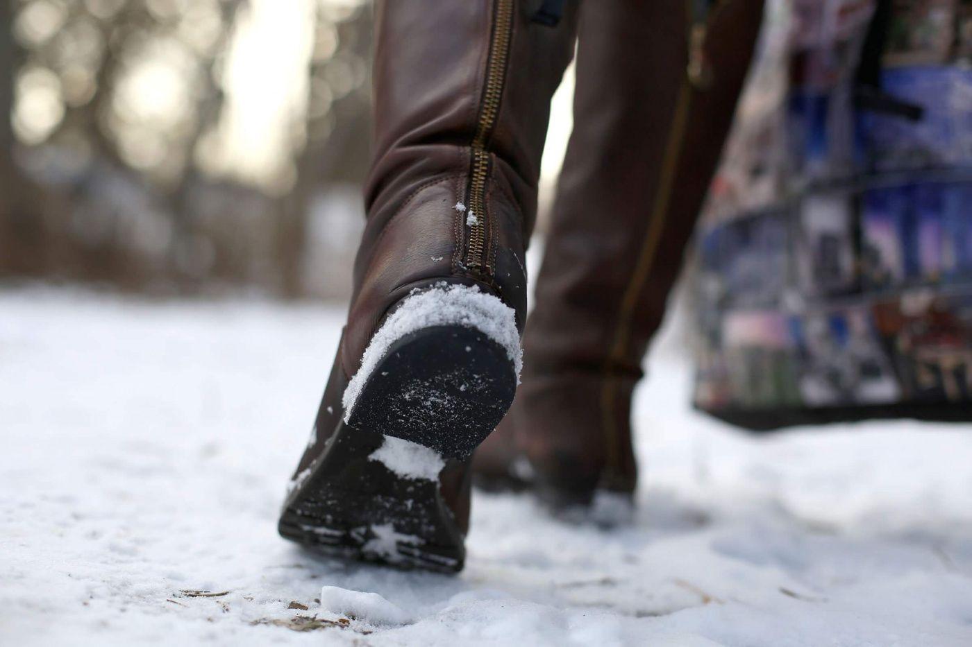 Apa yang harus dilakukan jika sepatu musim dingin licin sole.jpg