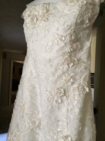 Oleg Cassini Ivory Lace Cwg464 Feminine Wedding Dress Size 14  L     12345