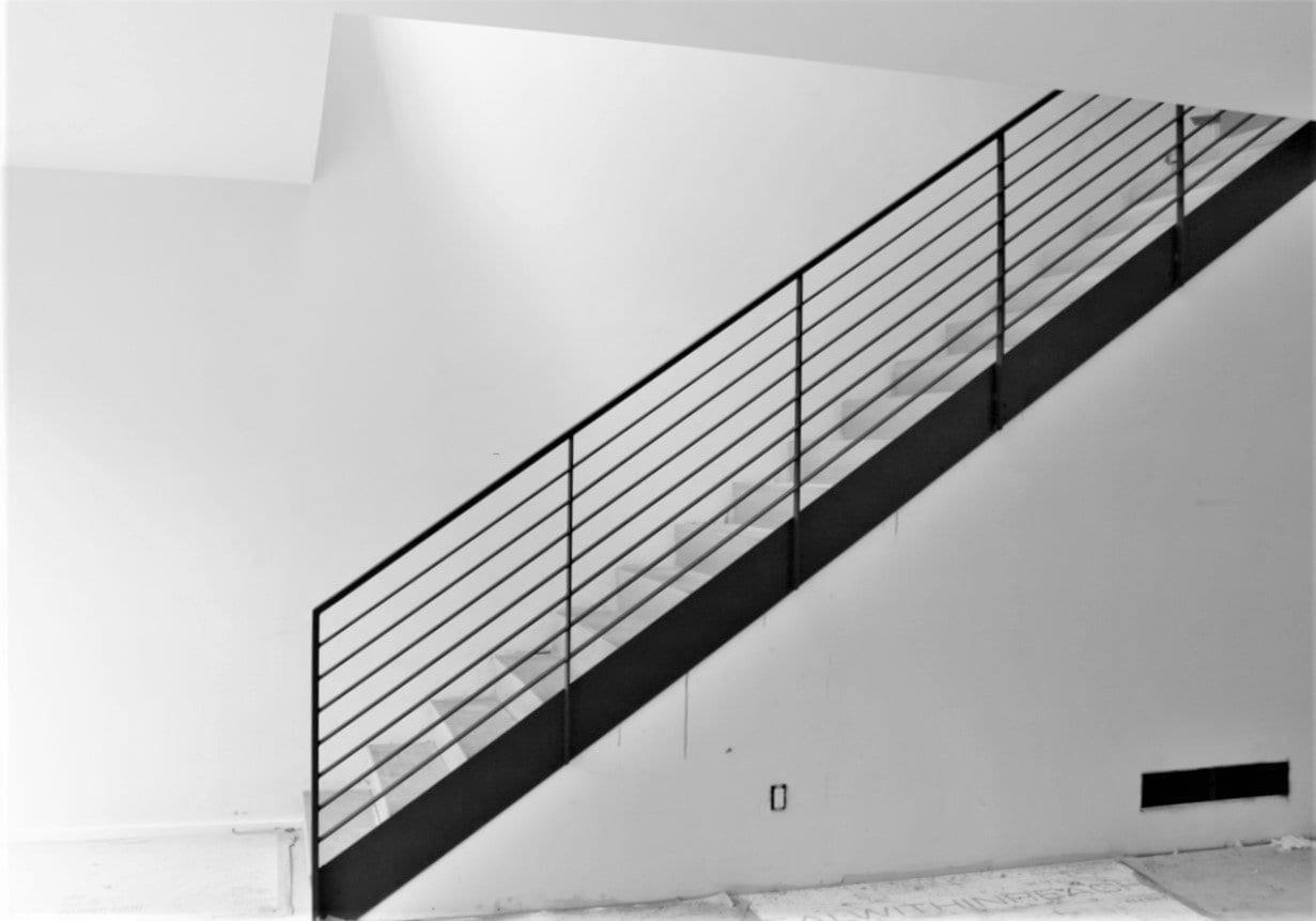 Luxury Horizontal Metal Railing For Stairs Great Lakes Metal | Staircase Side Railing Designs | Stair Pattern | Simple | Residential | Italian | Entrance