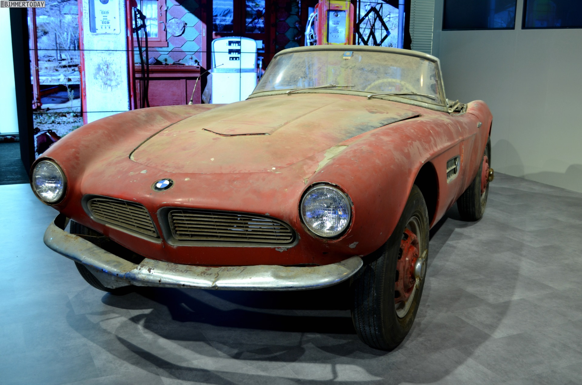 1957 BMW 507 Coupe   Transmission The BMW 507 coupe owned by the king of Rock and Roll  Elvis Presley  After  50 years since the cars last sighting   it was found abandoned in a barn