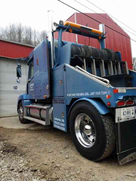 Freightliner Century Class 2000 Medium Trucks