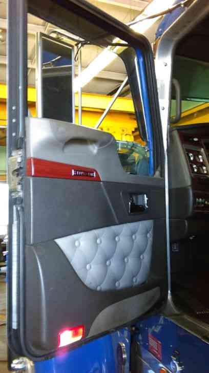 Kenworth W900l With 86 Studio 2006 Sleeper Semi Trucks