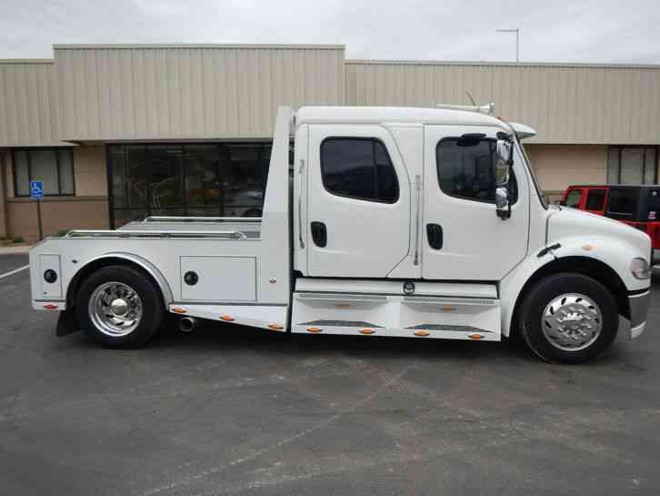 Freightliner M2 Sport Chassis 2004 Medium Trucks