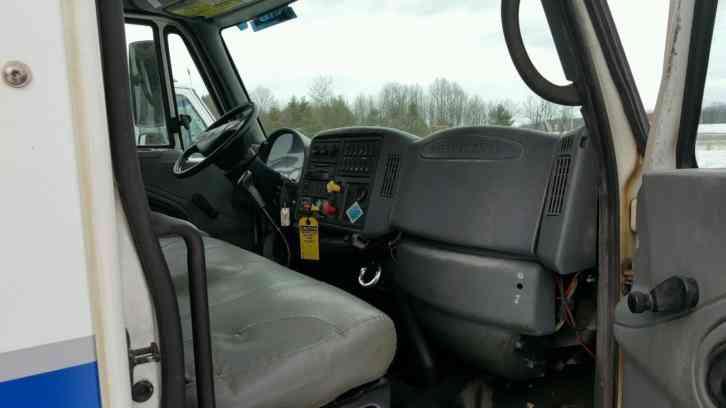 International 4300 2003 Medium Trucks