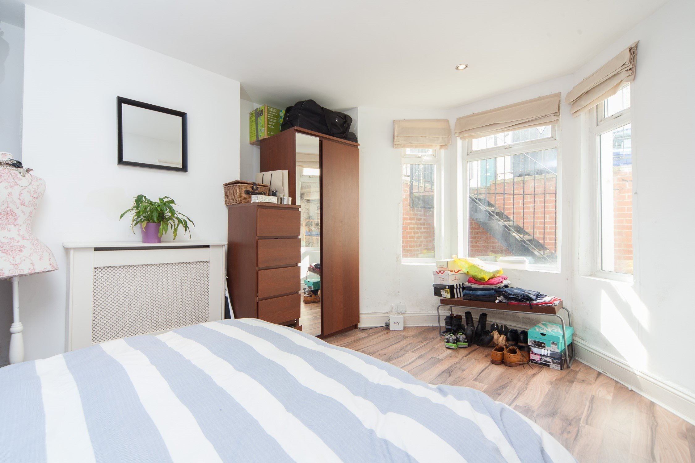 Best Portico 1 Bedroom Flat To Rent Under Offer In Brixton With Pictures Original 1024 x 768