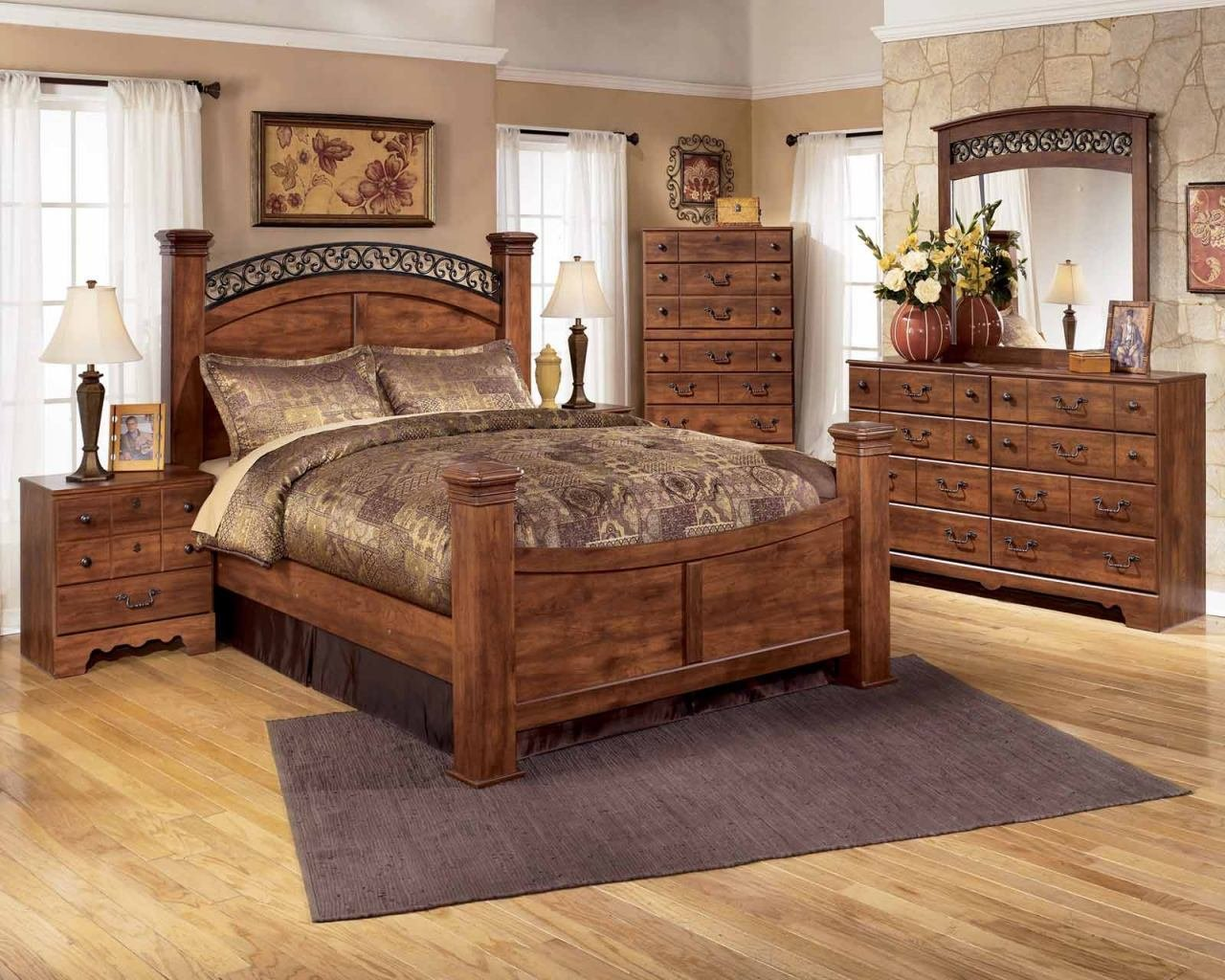 Best Timberline 4 Piece Poster Bedroom Set In Cherry With Pictures