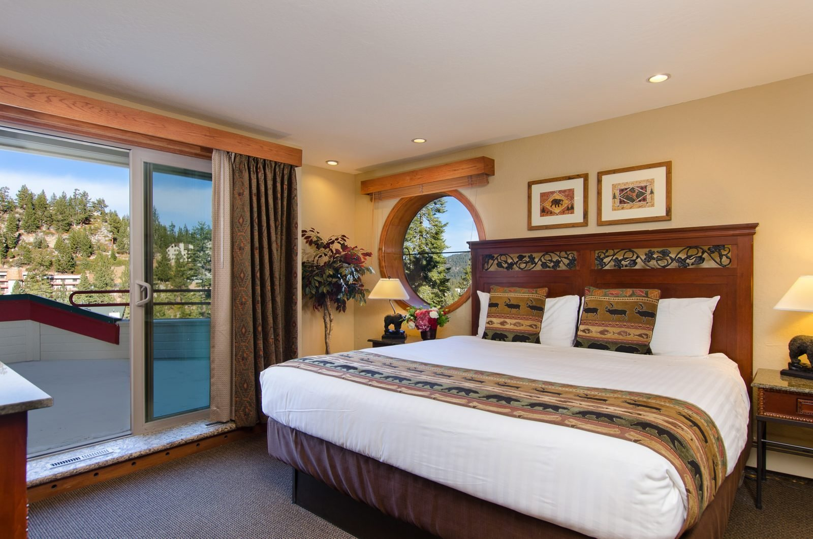 Best Lake Tahoe Lodging Options Rooms And Suites At The Ridge With Pictures