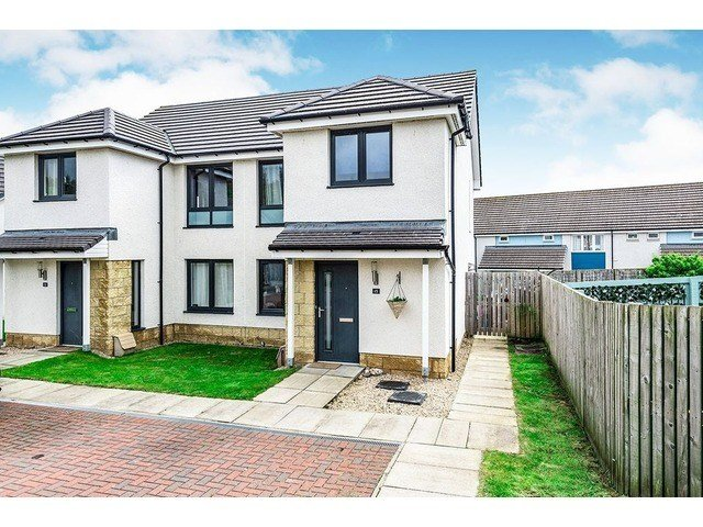 Best 3 Bedroom House For Sale Stornoway Drive Inverness With Pictures