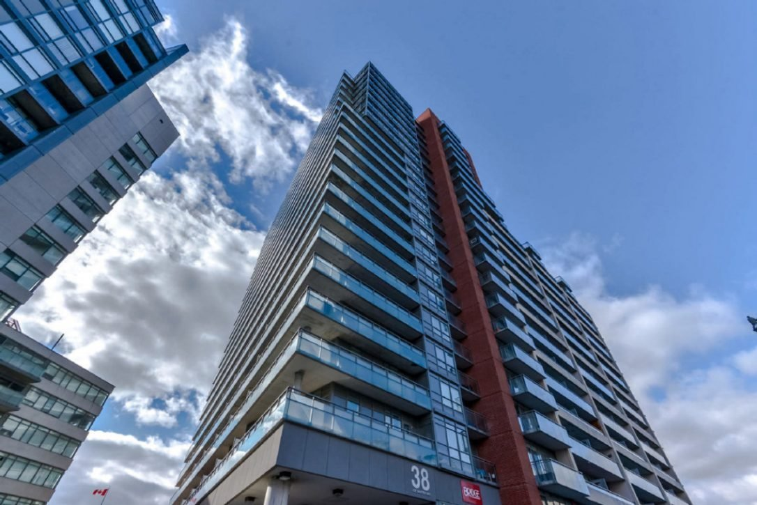 Best 629 900 And 575 000 What These Liberty Village Condos With Pictures