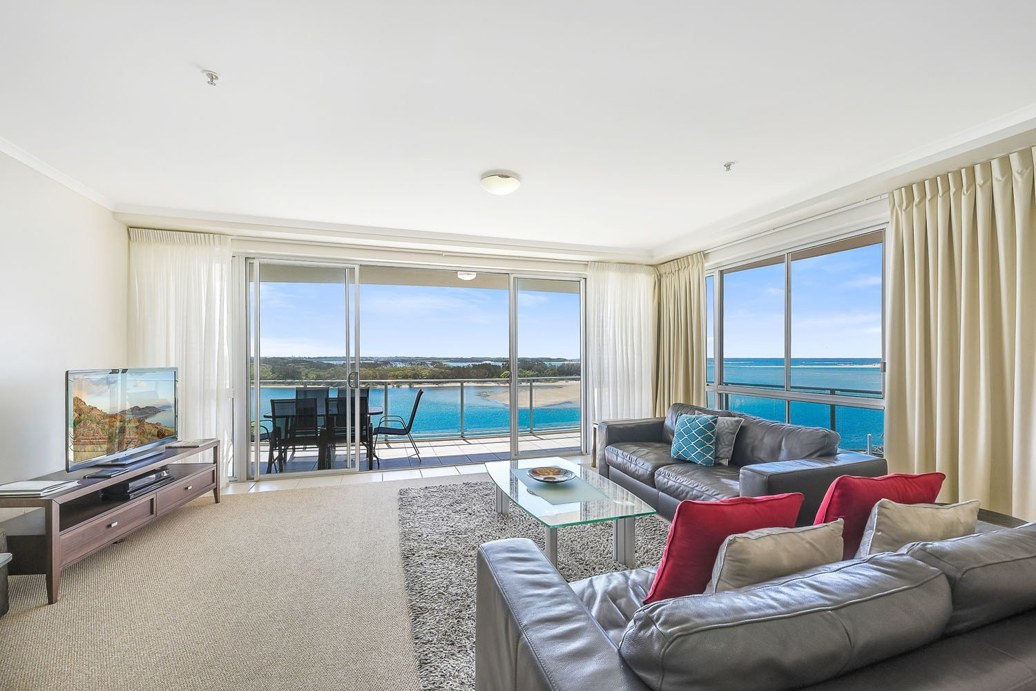 Best One Bedroom Apartment One Bedroom Apartments Sunshine Coast With Pictures