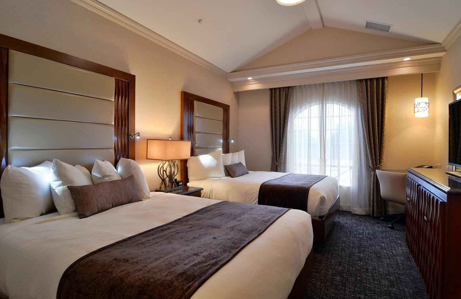 Best Hotel Suites In Lancaster Pa Hotels With 2 Rooms With Pictures