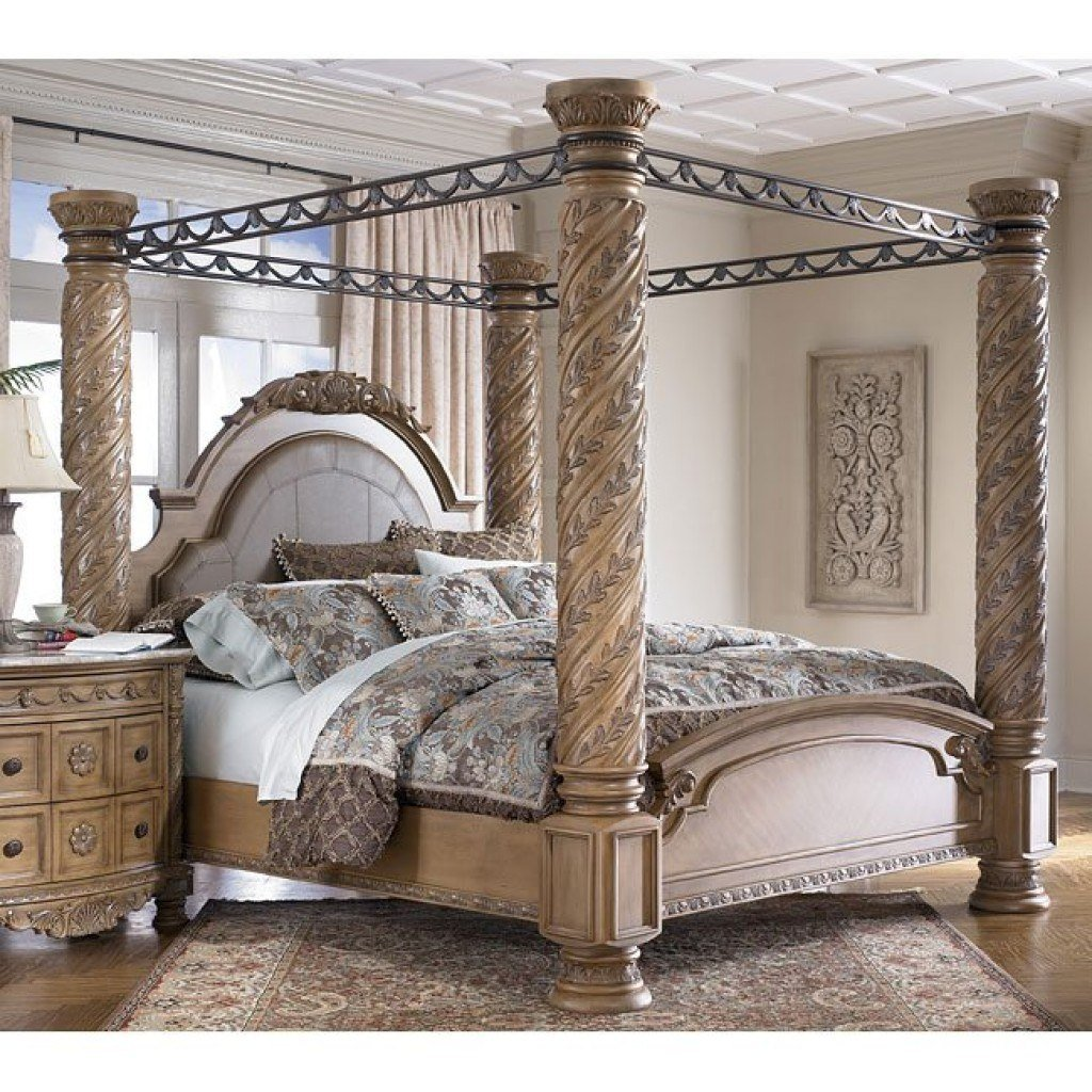 Best South Coast Poster Canopy Bed Millennium Furniture Cart With Pictures