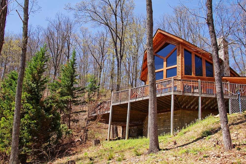 Best 5 Tips For A Family Vacation In A Two Bedroom Pigeon Forge Cabin This Winter With Pictures