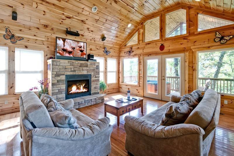 Best Above The Clouds 2 Bedroom Cabin In Gatlinburg Tn With Pictures