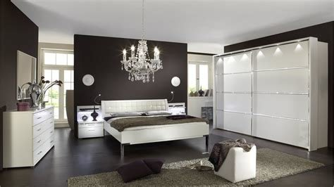 Best Riyadh By Stylform White Contemporary Bedroom Furniture Set With Crystals Head2Bed Uk With Pictures